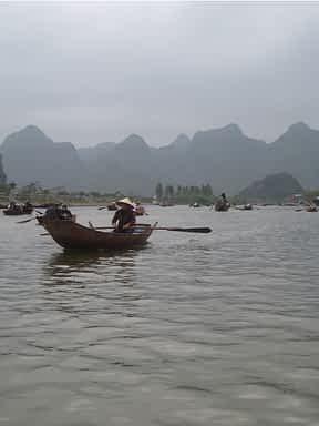 Vietnam Tea Boat